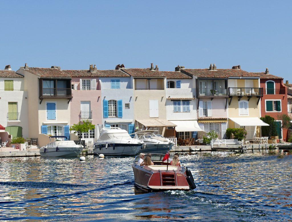 Les maisons provençale typique de Port Grimaud  © Grimaud Tourisme